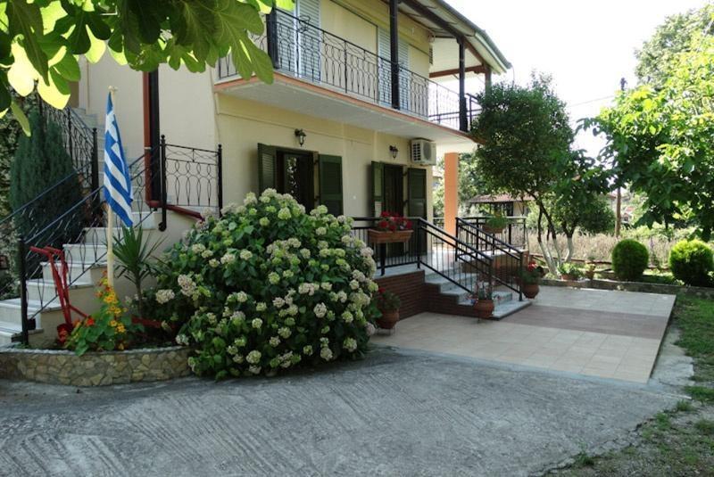 Apartamenty DIONISOS w Panteleimonas