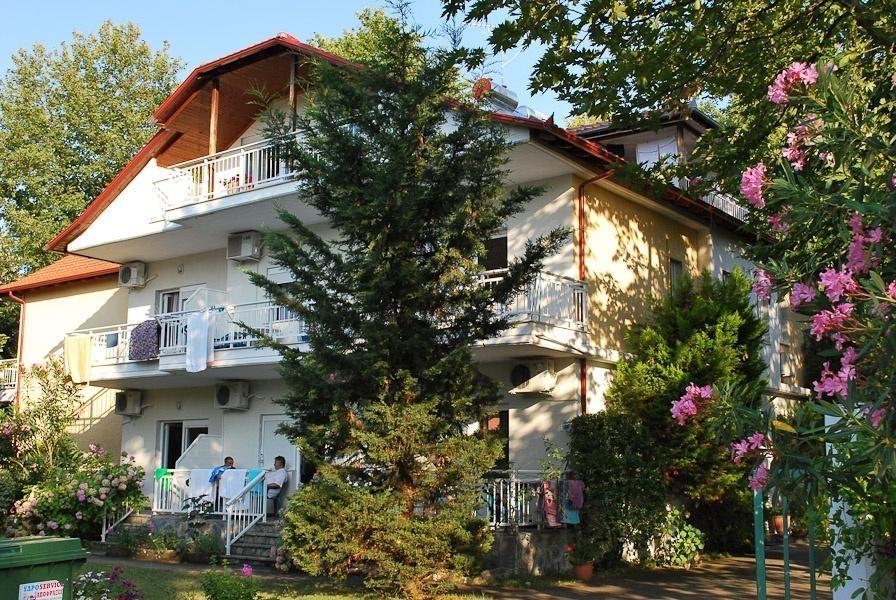 Apartamentowiec VILLA MARIA na Riwierze Olimpijskiej